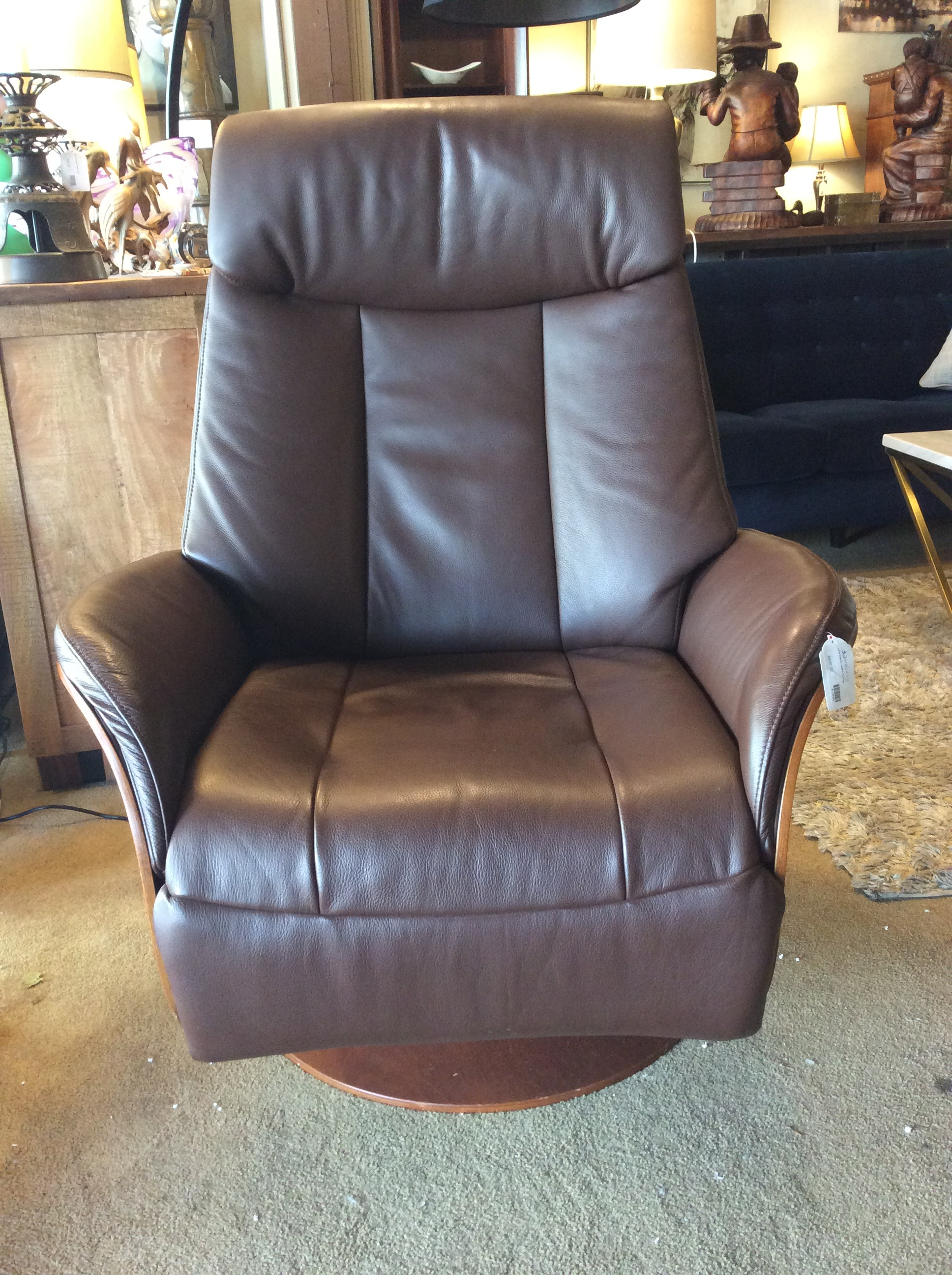 Awe Inspiring Dania Electric Leather Recliner Sold Gmtry Best Dining Table And Chair Ideas Images Gmtryco