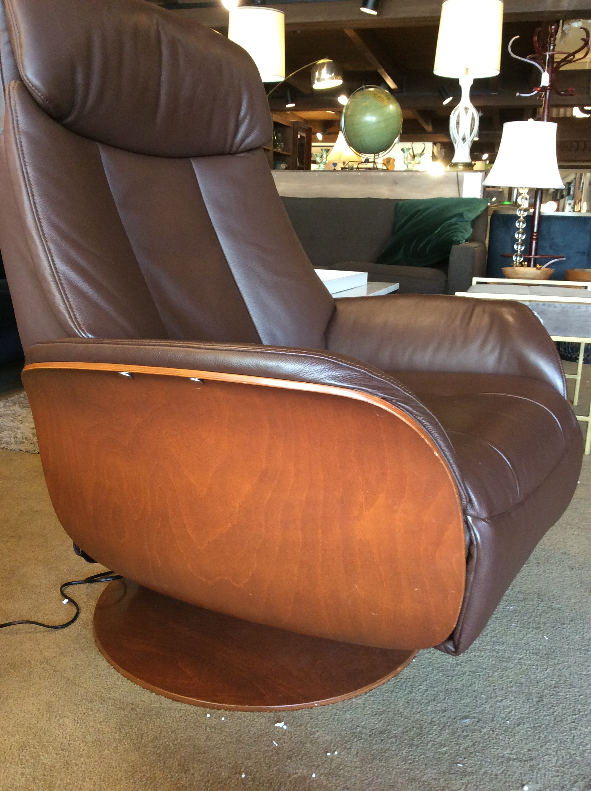 Pleasing Dania Electric Leather Recliner Sold Gmtry Best Dining Table And Chair Ideas Images Gmtryco